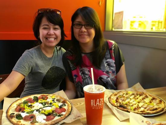 Blaze Fast-Fire'd Pizza : photo5.jpg