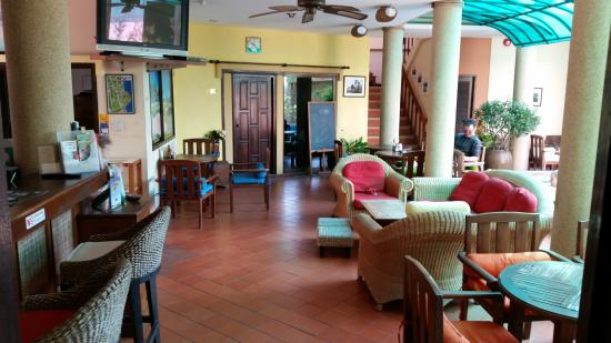 Evergreen Boutique Hotel : Dining and common area by the pool.