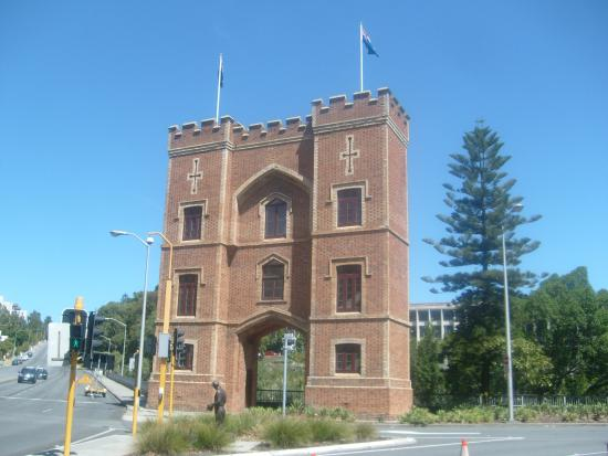 Barracks arch picture of barracks arch perth tripadvisor for 191 st georges terrace perth