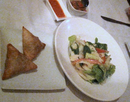 Blue Bay Cafe: Samosas accompanied with a cold Okra/Palm Hearts salad