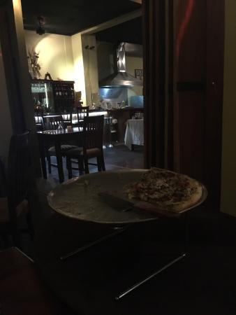 Victoria's Gourmet Italian Restaurant: Muy buena pizza