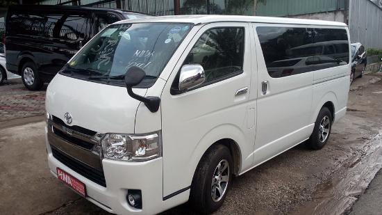 Negombo, Srí Lanka: Taxi - Toyota KDH brand new van for 06 people that we have for your tour in Srilanka