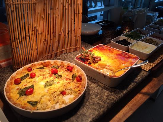 main course buffet p998 for one quite nice picture of museum rh tripadvisor com