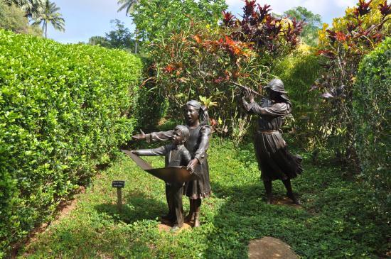 Na Aina Kai Botanical Gardens: Family Recital At Na Aina Kai