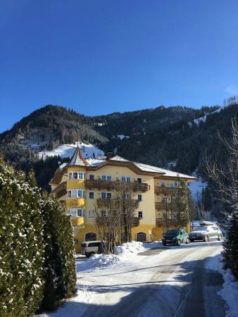 Hotel Bergzeit: IMG-20160220-WA0016_large.jpg