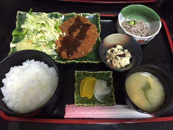 Oshokujidokoro Ajitoku: Went to this restaurant for 2 times for dinner ! Had their pork cutlet set for 1000yen and a la