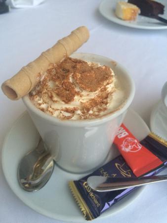 Olympus Palace : Тот самый вкусный кофе