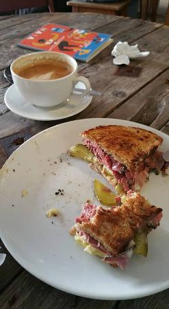 The Coffee Counter: 'Bronx' toastie and a latte