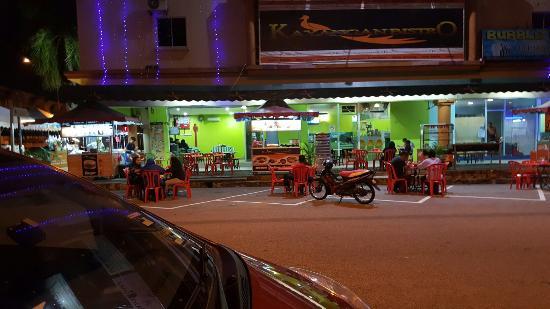 Nilai, Malasia: Weishuuuuuuuu.........