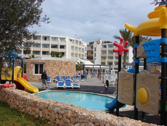 pool f r kinder picture of db seabank resort spa mellieha tripadvisor. Black Bedroom Furniture Sets. Home Design Ideas