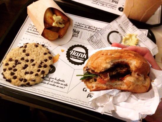le petit nerveux avec un cookie noix chocolat picture of hank burger paris tripadvisor. Black Bedroom Furniture Sets. Home Design Ideas