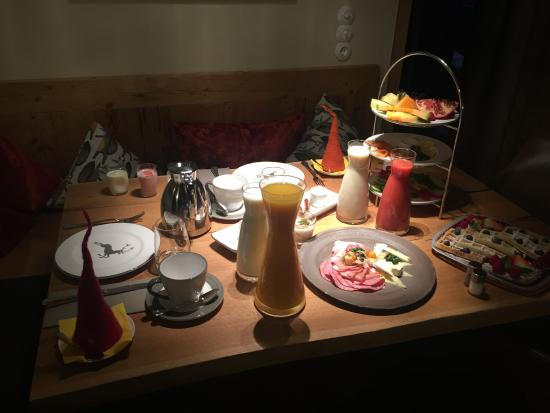 Skihotel Galzig: Frühstück Roomservice