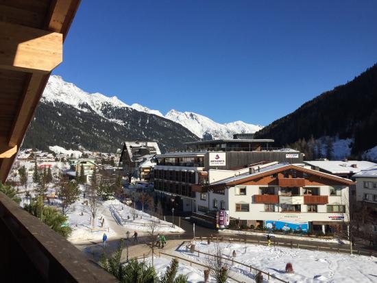 Skihotel Galzig: Aussicht sehr zentral gelegen