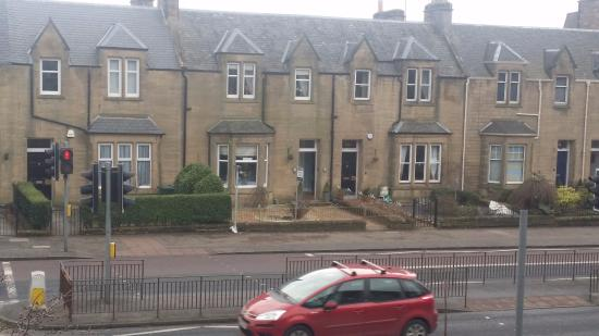 Dalmore Lodge Guest House: Dalmore Lodge, taken from outside the zoo
