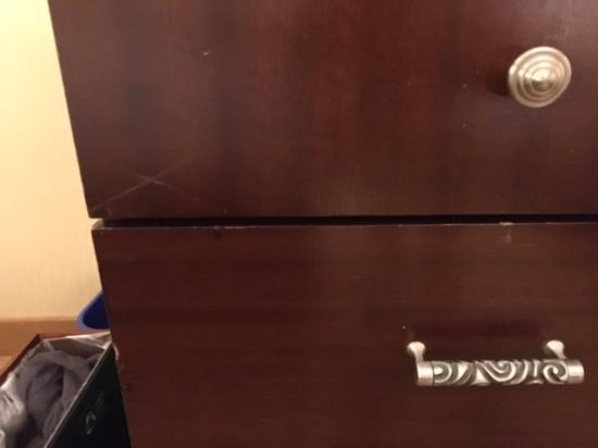 DoubleTree by Hilton Hotel Burlington: scratches on front of chest of drawers
