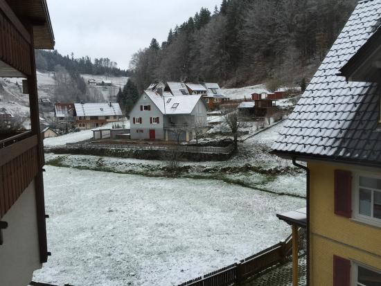 Schonmunzach, Allemagne : Petit matin enneigé