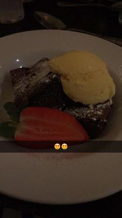 Beeches Restaurant: The brownie!