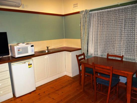 Lake Hume Village, Australia: Ibis Styles Albury Lake Hume Resort - Cottage Suite #20S
