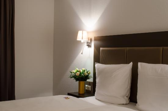 City Hotel Wiesbaden: room