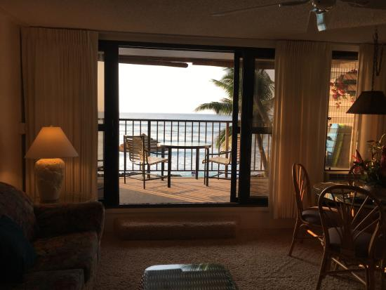 Kaleialoha Condominiums: View as we walked into room