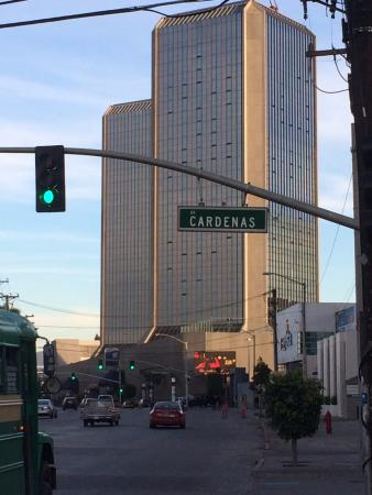 Grand Hotel Tijuana: Front street view of Hotel and Towers