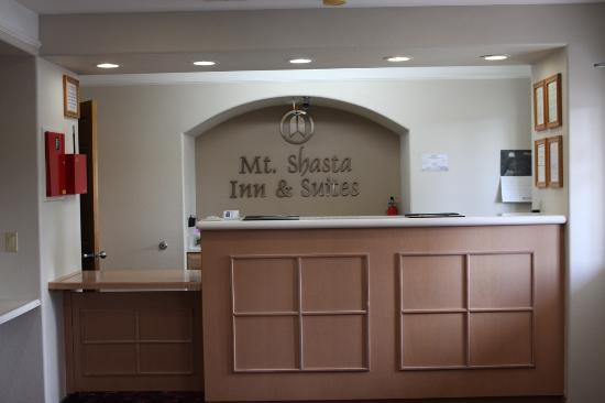 Mt. Shasta Inn and Suites: Office/ Registration