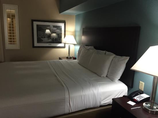 Greystone Lodge On the River : Loved this place!  Clean and super comfortable