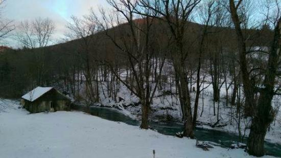 Green River Inn: The Green River and the Equinox hills