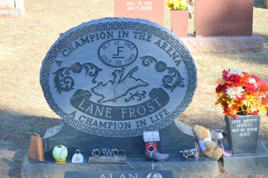 Showman's Rest and Bull Rider's Reprieve : Lane Frost Headstone
