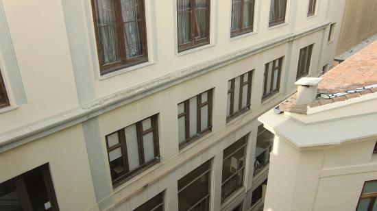 Hostal Moratin: 窓の外の眺め