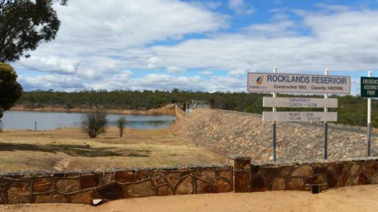 Balmoral, Australia: Rocklands Reservoir dam wall