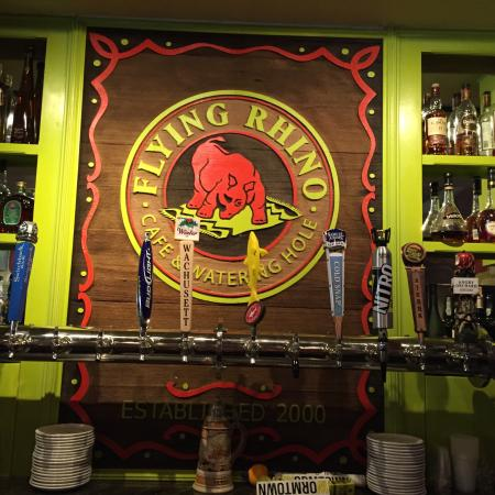 Flying Rhino Cafe: photo0.jpg
