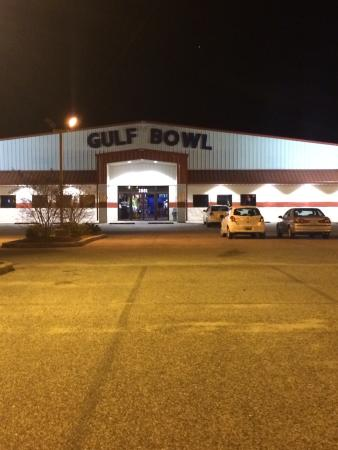 The Gulf Bowl: Gulf Bowl in Foley is not just for bowling! From a diner to a game room and laser tag, this plac