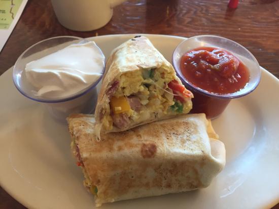 Bridgewater, Vermont: Breakfast burrito is ON point. 😋