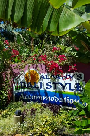 Albany Bali Style Accommodation : The sign