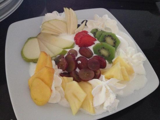 Panna \u0026 Cioccolato piatto di gelato e frutta