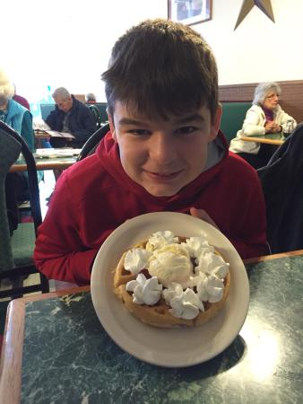 West Side Diner: Love the ice cream topped Belgian waffle!!