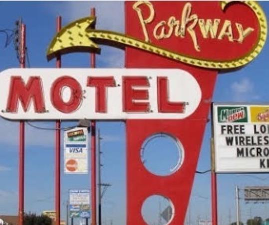 Parkway Motel: photo0.jpg