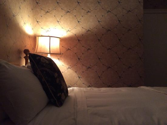 Moffat Inn: Bed