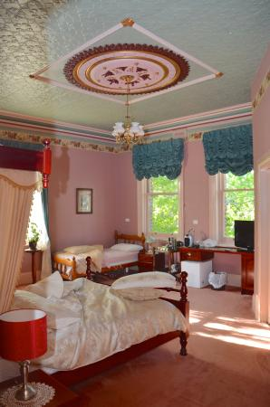 larger canopy bed room picture of lucinda b b latrobe tripadvisor rh tripadvisor com