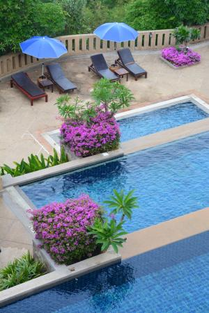 Pavilion Queen's Bay : beautifull swimming pool