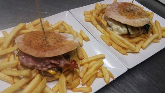 K2 RISTO-PUB & DRINK: burger al k2