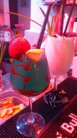 K2 RISTO-PUB & DRINK: roby blue