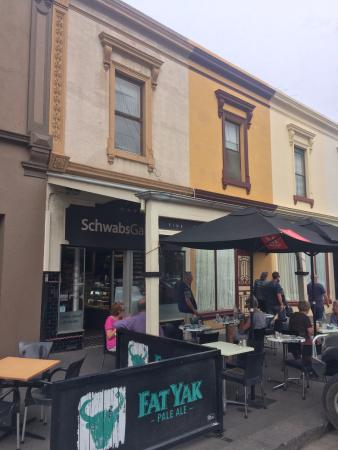 Schwabs Galley: Pavement or inside eating areas