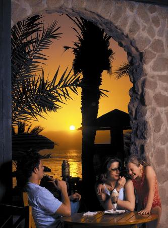 Al shatt restaurant terrace aqaba omd men om for 4758 setting sun terrace