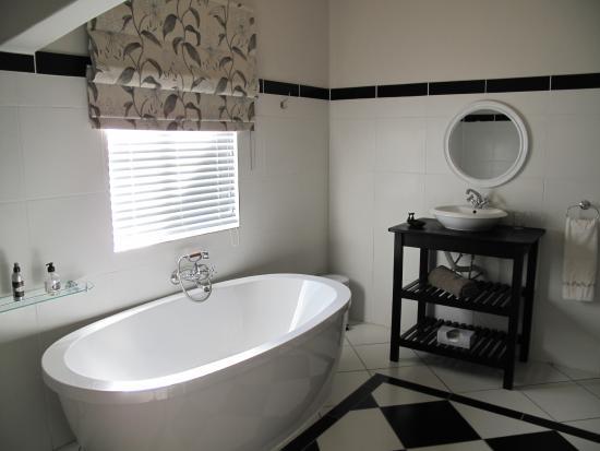 Hermon, جنوب أفريقيا: Farmhouse Suite bathroom