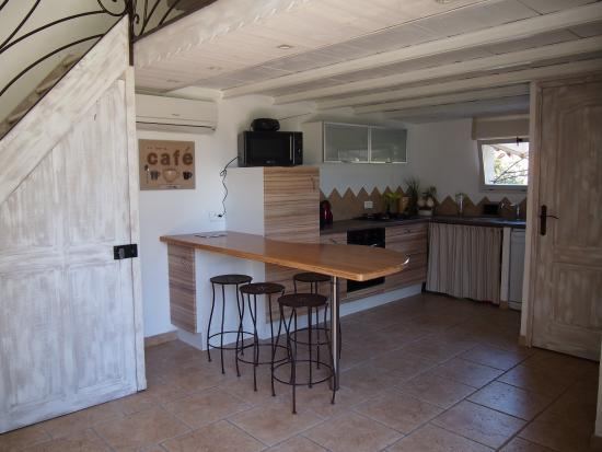 """Velleron, Γαλλία: La cuisine du gite """"Le Ferronnier"""""""
