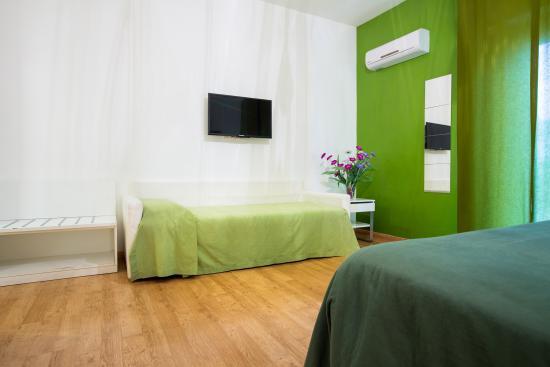 Emily Suites: Green Suite