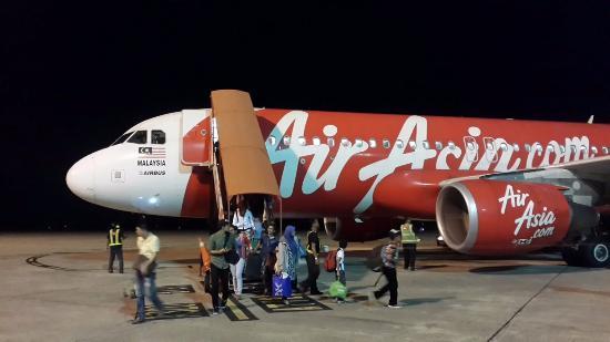 fisik airlines airbus a320 picture of airasia airasia berhad rh tripadvisor ca