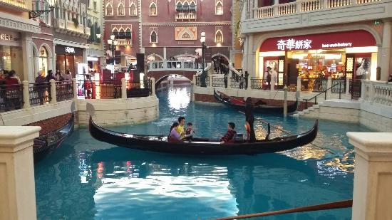 Casino at Venetian Macao: 20160220_152133_large.jpg